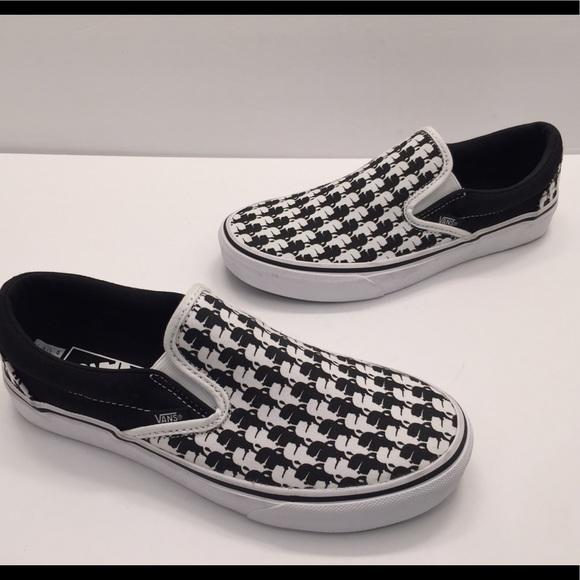 Vans X Karl Lagerfeld Classic Slip On. M 5b447344bb761539efa2ae5d 4c40c7c17